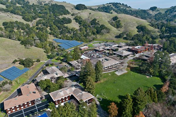 旧金山圣多明尼哥中学.jpg