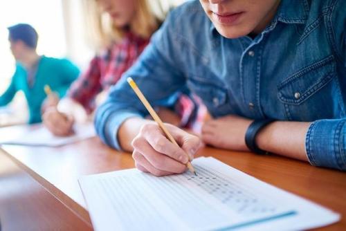 美国高中留学条件.jpg
