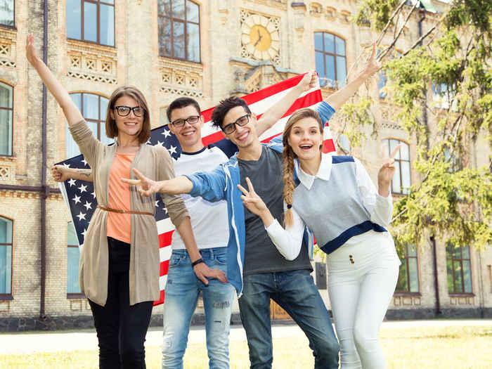 美国高中留学费用一年大概多少人民币