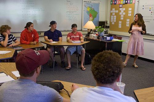 美国高中留学——麦克吉尼斯高中